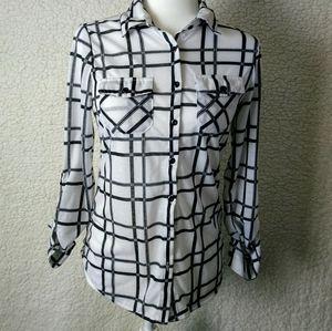 Rue 21 ladies button down blouse